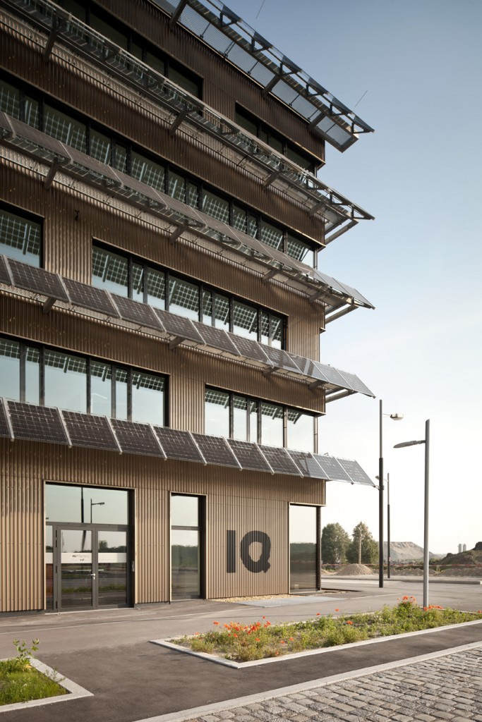 http://presse.hausderzukunft.at/Haus_der_Zukunft_Pressebereich/Bildmaterial_-_Geb%C3%A4ude_und_Projekte/Neubau%2C_aspern_IQ/