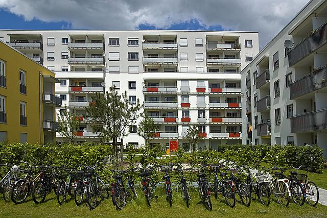 """Wohnen wie im Bilderbuch :Wohnanlage Schwere Reiter Straße """"Wohnen in Schwabing"""""""